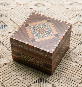 アブハーニーの寄木小箱
